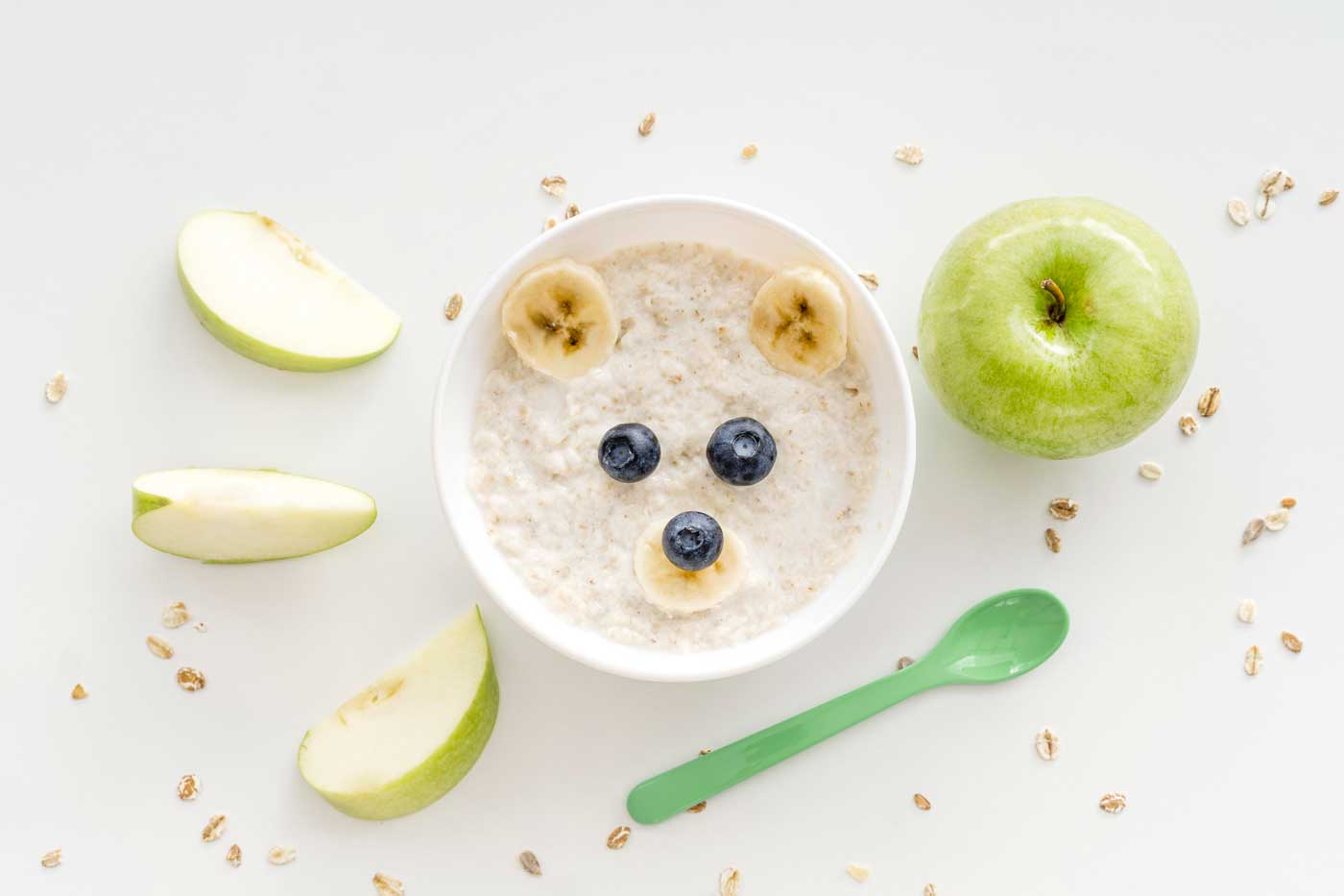 bowl-with-oat-flakes-fruits-1400